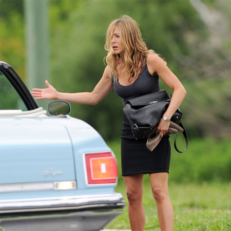 Jennifer-Aniston-on-Bounty-Hunter-Shooting