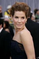 http://godessofsmallthings.files.wordpress.com/2009/12/sandra_bullock_narrowweb__300x4500.jpg?w=300